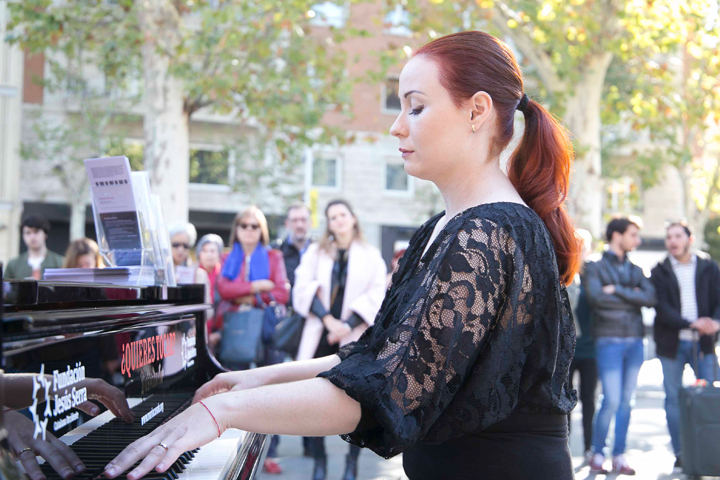 Pianos in the Street