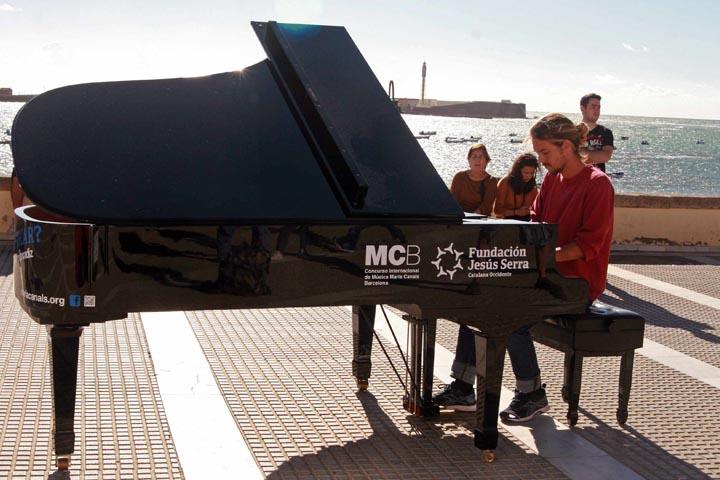Pianos en la calle Valencia