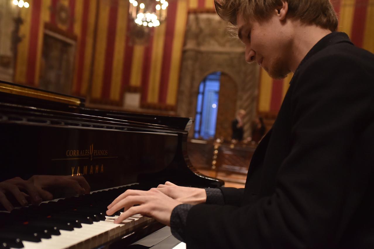 Concierto de Evgeny Konnov en Granada