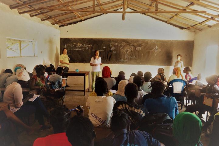 Educación sexual y reproductiva a niñas de Casamance