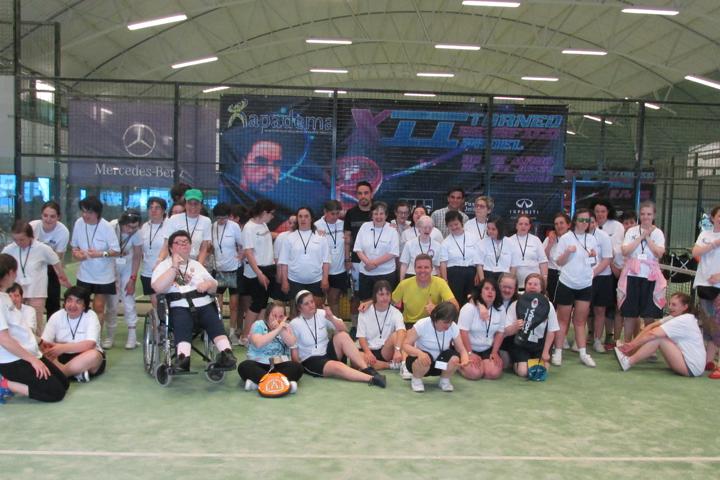 Torneo de pádel benéfico para la asociación Apadema